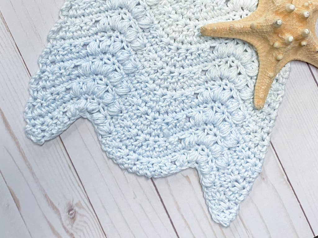 How to crochet a puff stitch wave kitchen towel. You can crochet the Making Waves Kitchen Towel in a few short hours! Using Yarn Bee Sugarwheel Cotton yarn in Harbor Wish.