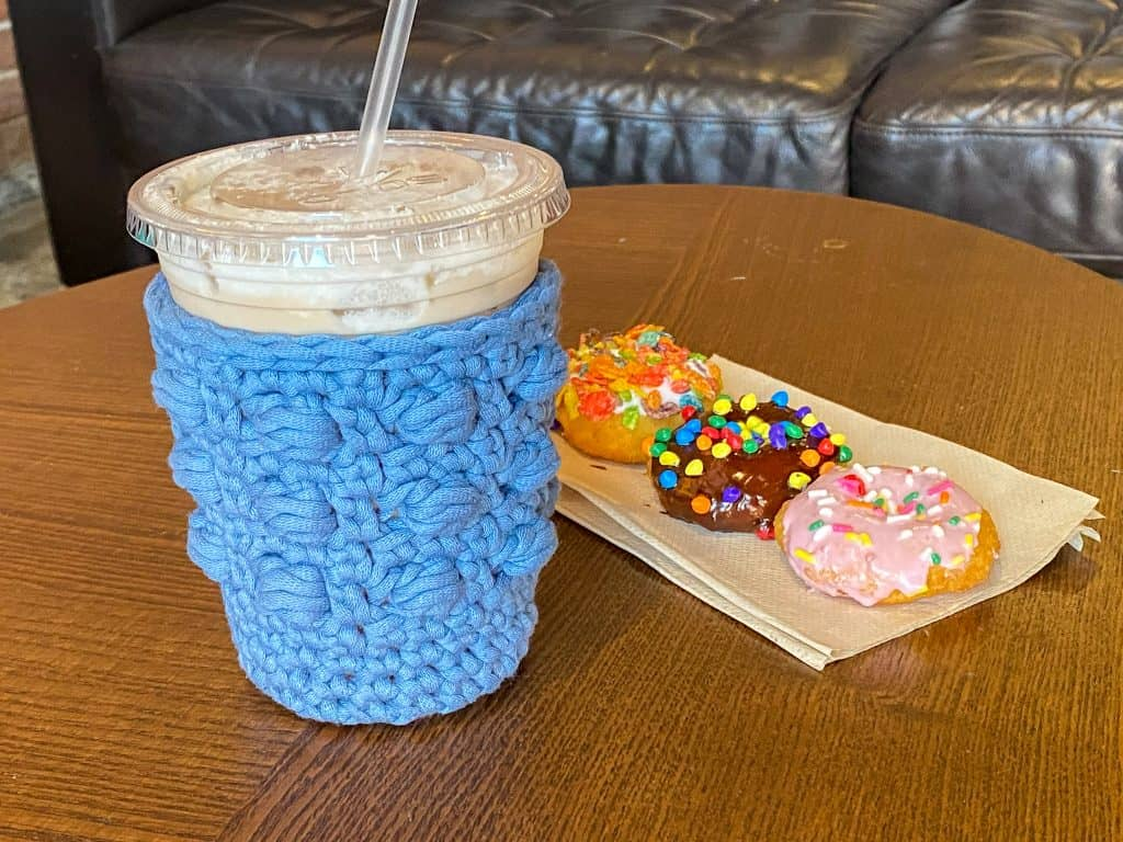 Crochet this perfect for summer boxed bead drink koozie. Available in 5 different sizes, make one for all your favorite beverages. Using Bernat Home Dec Yarn.