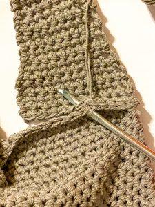 Attaching the Strap: Bobble Hobo Bag FREE Crochet Pattern