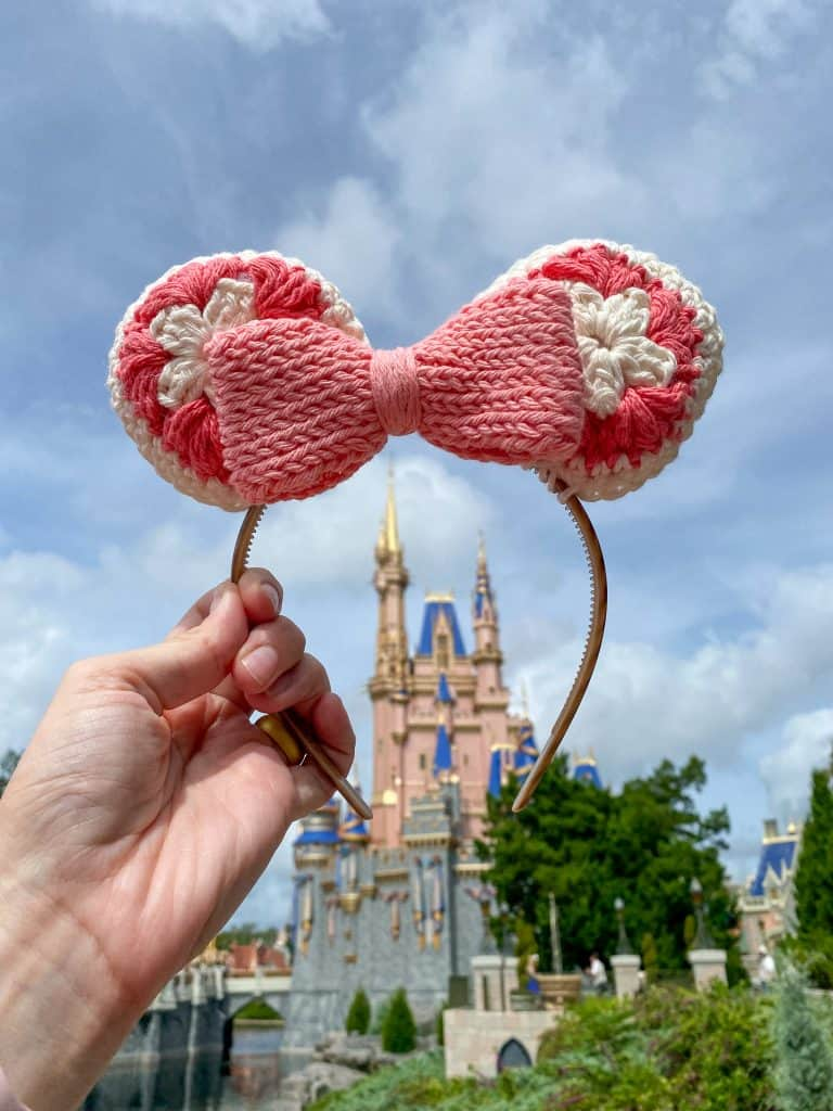 How to Crochet Mouse Ears Headband. Included instructions for baby through adult sizes. Perfect for Mommy and Me photos.